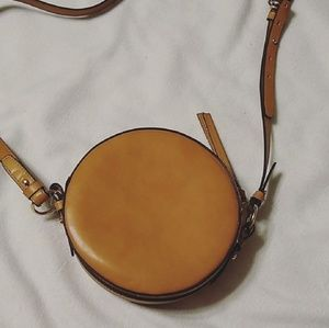 SALE ⚡Gap crossbody circle canteen bag